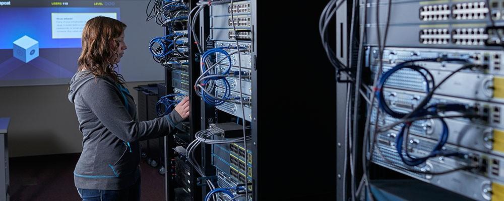 کارشناس شبکه کامپیوتری,متخصص شبکه,متخصص شبکه کامپیوتری,