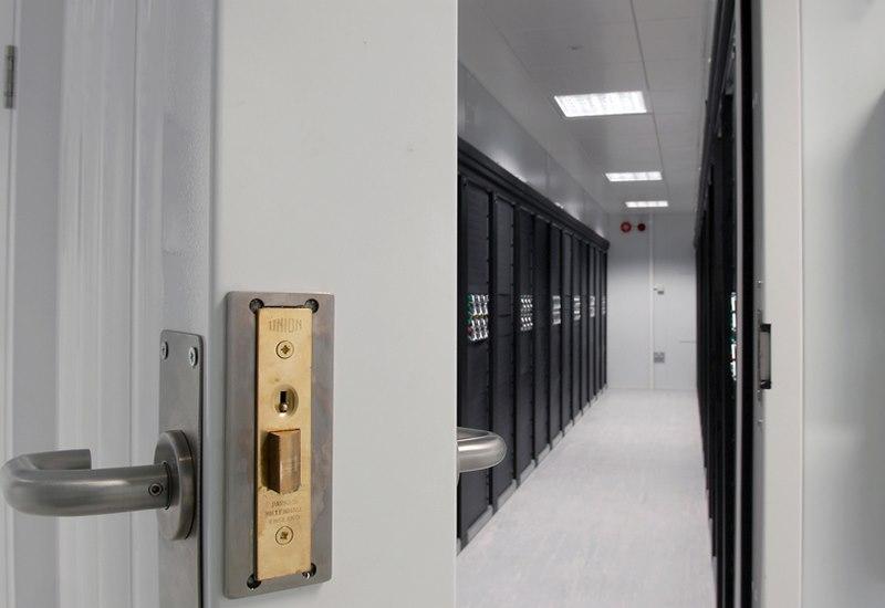 سیستم های ورودی دیتاسنتر,سیستم های ورودی کارنو,سیستم های ورودی مراکز داده,